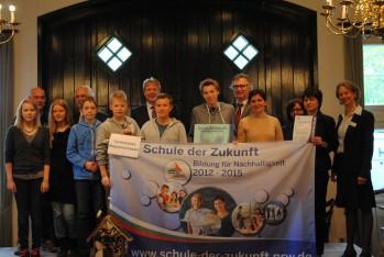 """Verleihung der Auszeichnung """"Schule der Zukunft - Bildung für Nachhaltigkeit 2012-2015"""""""