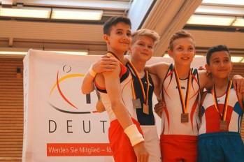 Turnen-David-Schlueter-gewinnt-vier-Medaillen-bei-den-Deutschen-Jugendmeisterschaften-Gold-an-seinem-Geburtstag_image_630_420f_wn